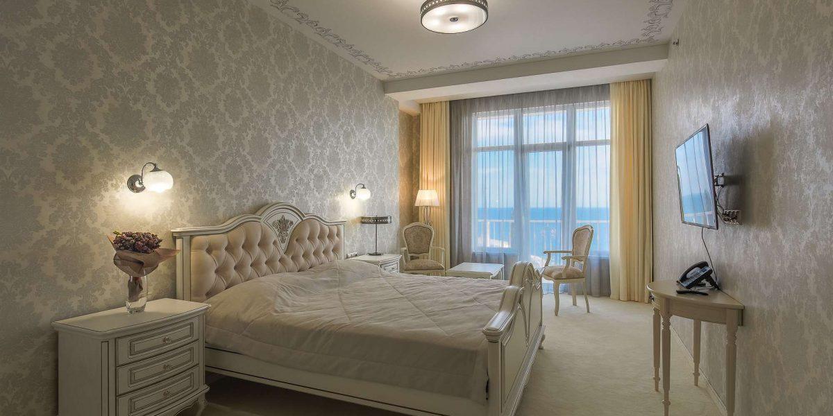 """№ 604 Люкс с кроватью размером """"king-size"""" и видом на море"""